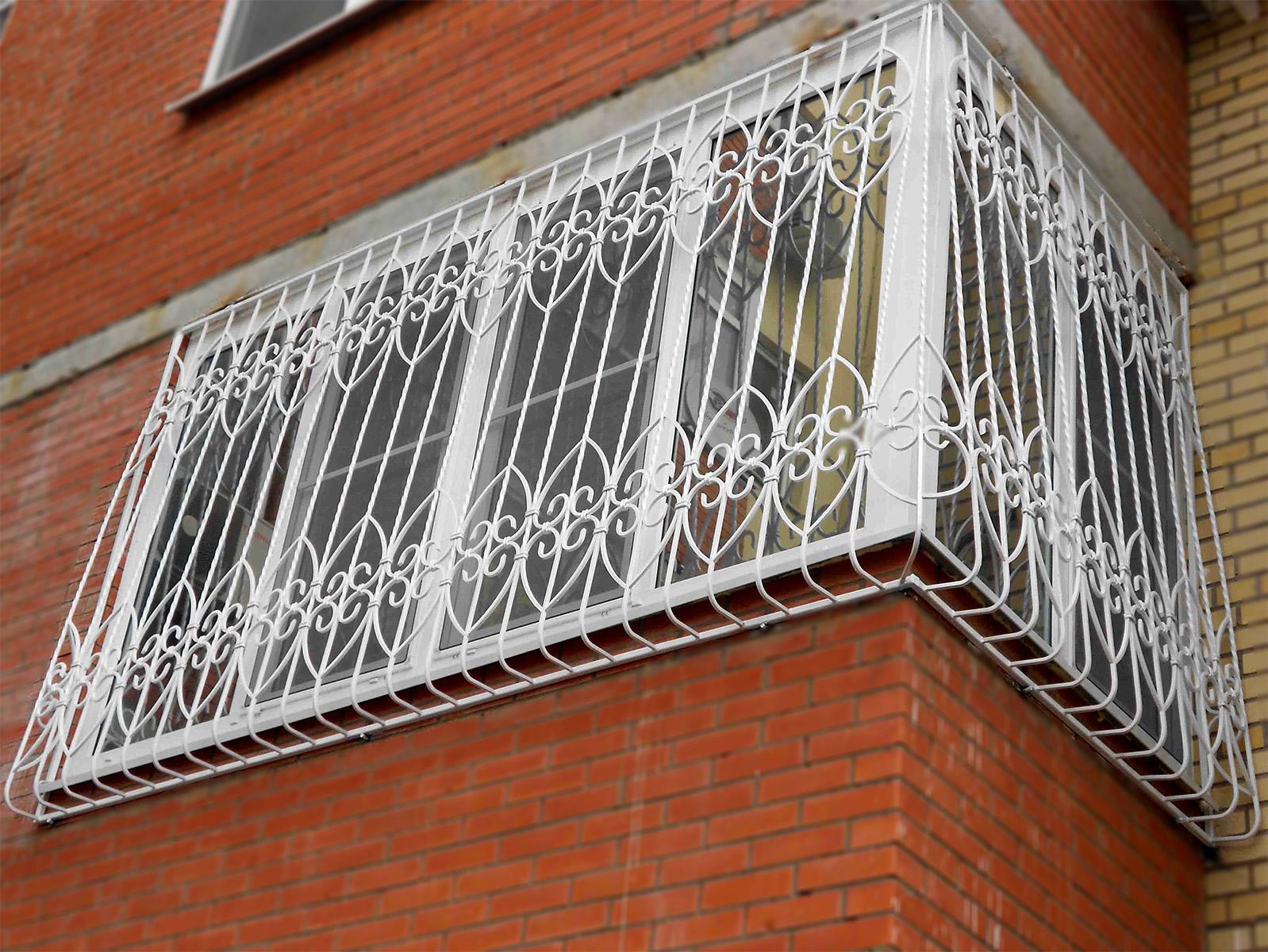 Балконная решетка белого цвета - фото выполненной работы по .